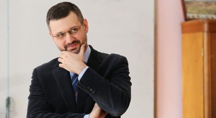 Пожертвуйте на благотворительность и выиграйте личную встречу с Владимиром Легойдой!