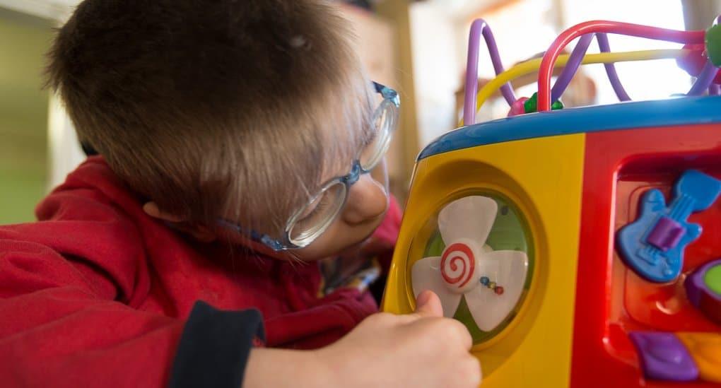 Отделения милосердия для детей появятся при психоинтернатах Петербурга