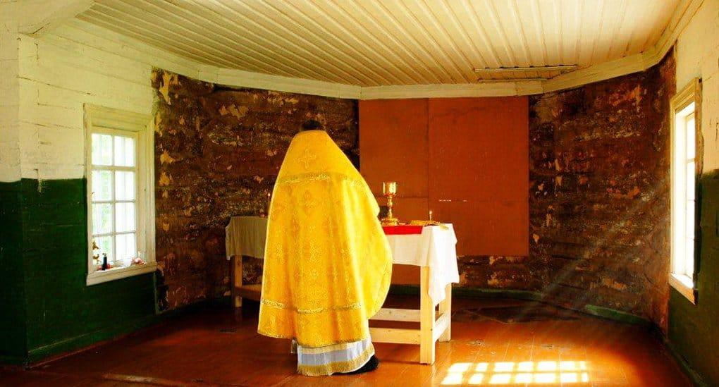 В храме 900-летней пинежской деревни впервые за 80 лет совершили Литургию