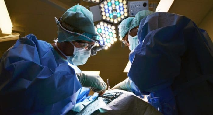 Грех ли операция в праздник?
