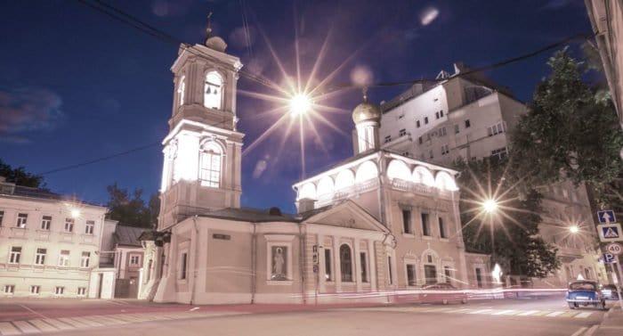 Когда престольный праздник в храме Воскресения?