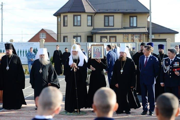 Патриарх Кирилл освятил крест храма, строящегося для казаков-кадетов