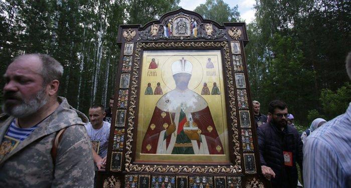 Православные верующие не могут ставить под угрозу жизнь и здоровье людей, - Владимир Легойда