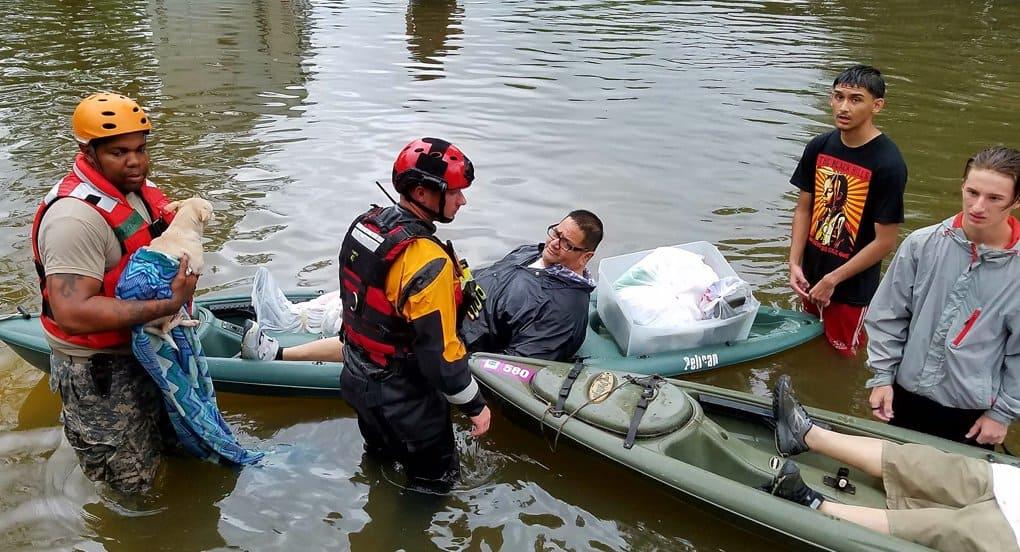Православные Вашингтона помогают пострадавшим от урагана «Харви»