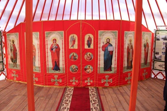 Копию походно-улусной церкви XIX века установили в Элисте