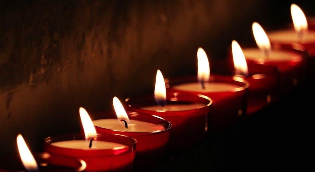 В России день траура по погибшим на пожаре в Кемерово