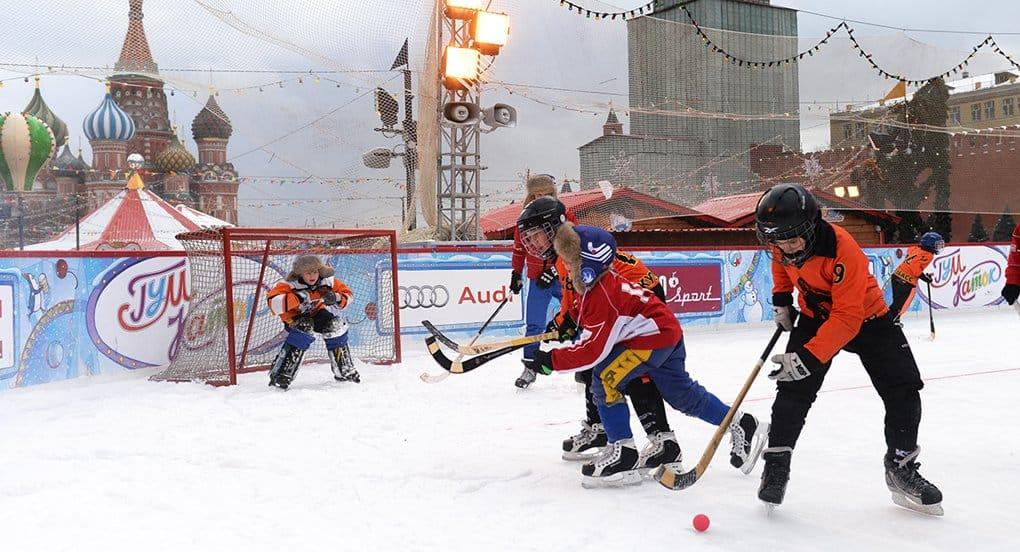 Патриарх Кирилл призвал развивать хоккей с мячом, лапту и городки