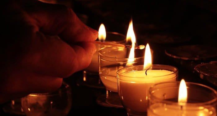 В Москве помолились о жертвах пожара в торговом центре в Кемерово
