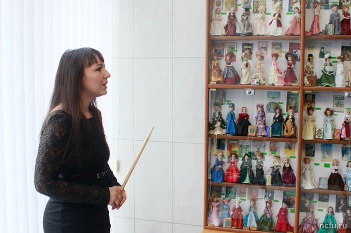 Героинь литературной классики показали в виде кукол