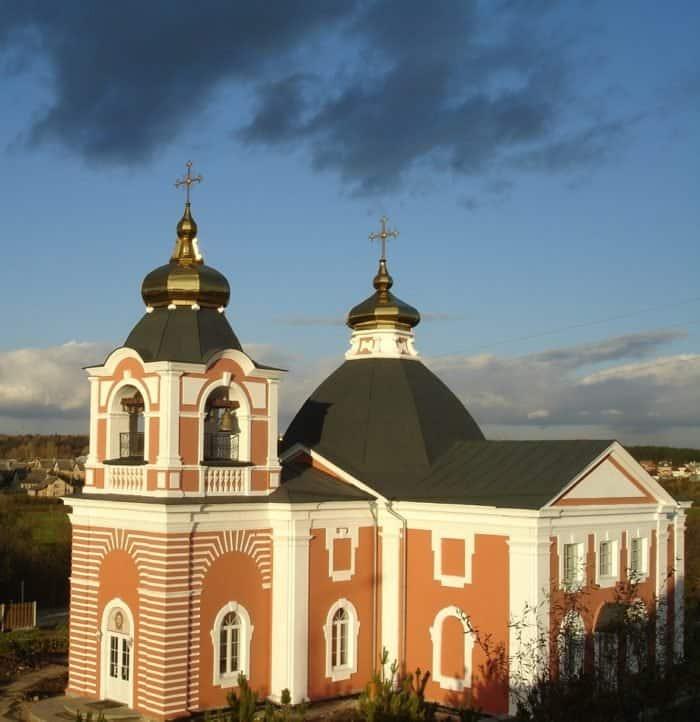 К 2003 году Ильинский храм в Лемешово, где настоятельствовал священномученик Александр был восстановлен и освящен. Фото www.lemeshevo-hram.ru