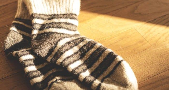 «Милосердие» просит подарить бездомным теплые носки