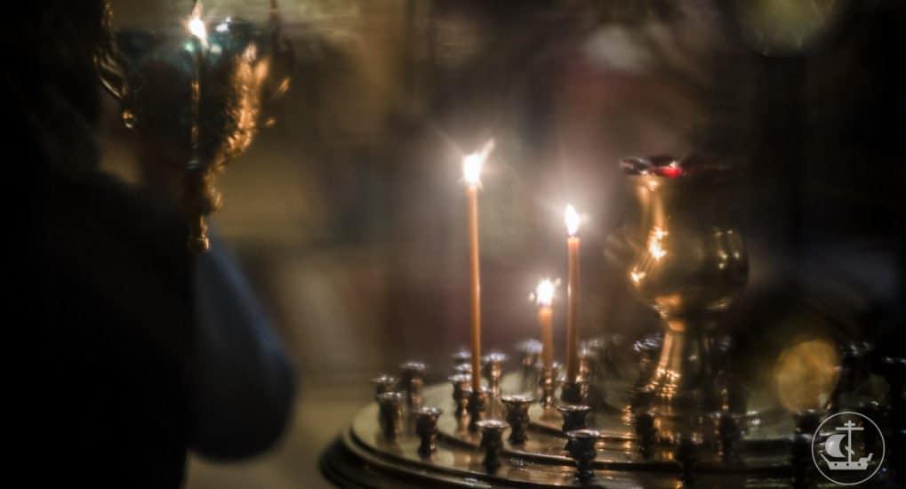 Когда в церкви ставишь свечку за здравие или упокой, это одна свеча - один человек?