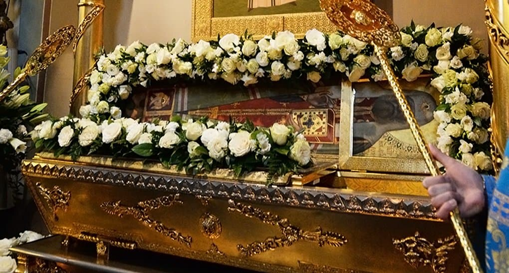 Мощи святого патриарха Тихона принесли в храм Христа Спасителя