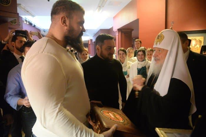 Известные спортсмены поздравили патриарха Кирилла с Днем рождения