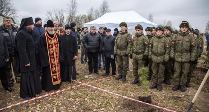 Парк в честь военного духовенства заложили в Колпинском районе