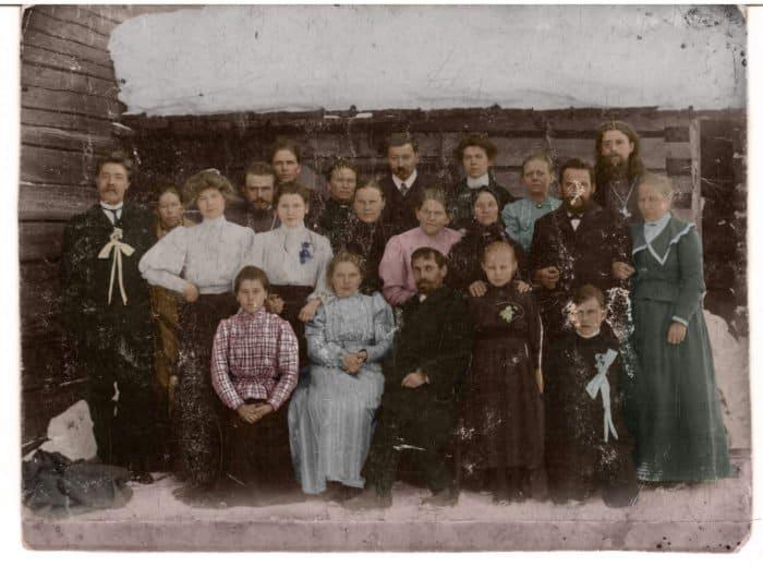 Братья и сестры: несколько веков истории одного прихода