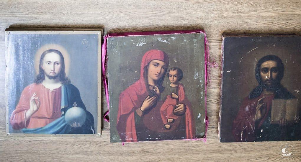 Можно отдать в церковь иконы, которые были в доме?