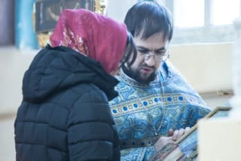 2017-12-10,A23K3916, Дагестан, Хасавюрт, Литургия, ЗнамениеПрестол, s_f