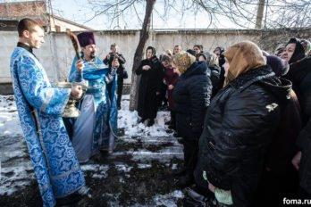 2017-12-10,A23K4772, Дагестан, Хасавюрт, Литургия, ЗнамениеПрестол, s_f