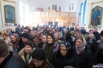 2017-12-10,A23K5031, Дагестан, Хасавюрт, Литургия, ЗнамениеПрестол, s_f