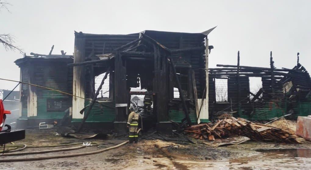 Храм XVII века сгорел в Рязанской области