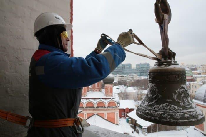 Петровский звон над Москвой