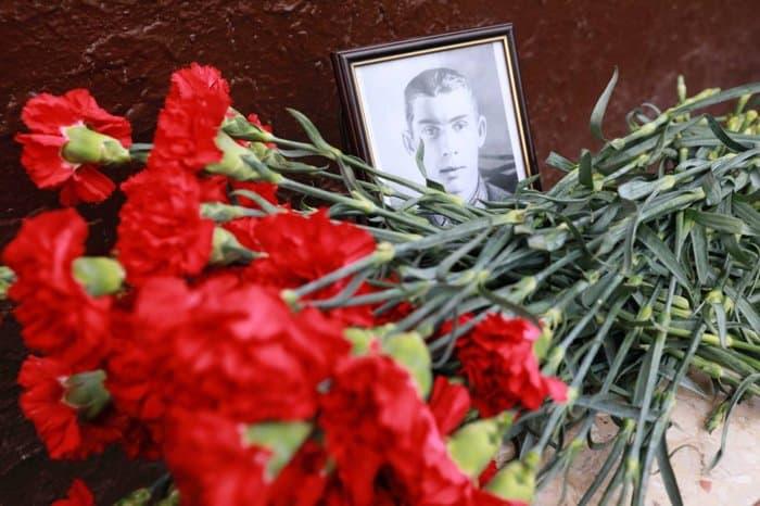 В школах Москвы установили памятные доски героям Великой Отечественной