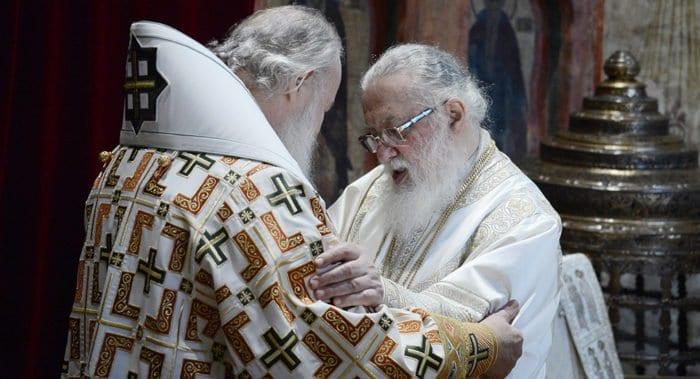 Патриарх Кирилл поздравил Католикоса Илию II с 40-летием интронизации