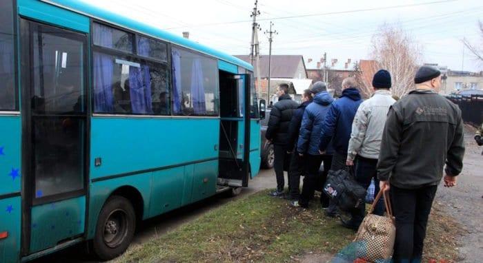 Участники конфликта в Донбассе при участии Церкви обменялись пленными