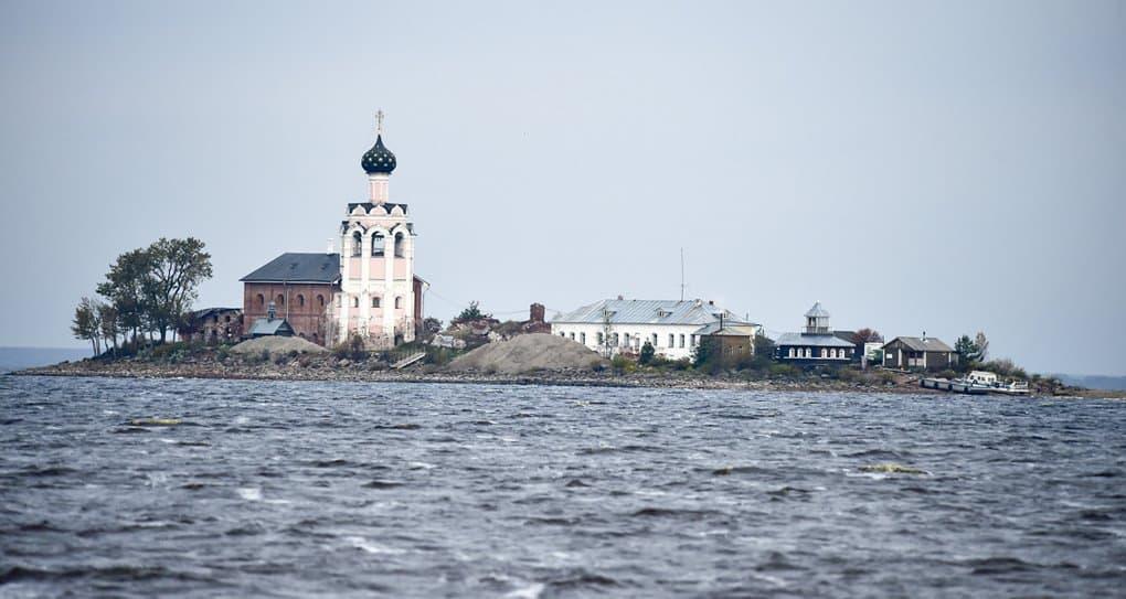 Вологодская епархия ищет архивные фото Спасо-Каменного монастыря