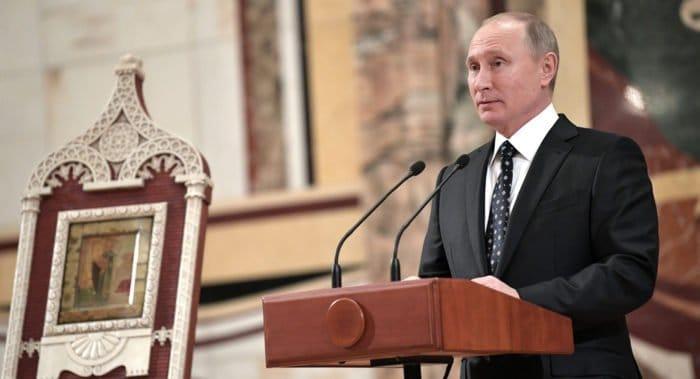 Святой патриарх Тихон совершил подвиг во имя народа, - Владимир Путин