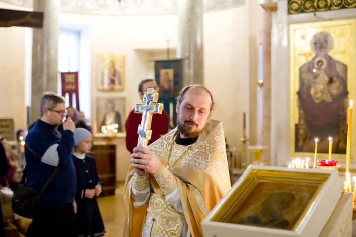 Молитва Николаю Чудотворцу, изменяющая судьбу: иерей Николай Петров