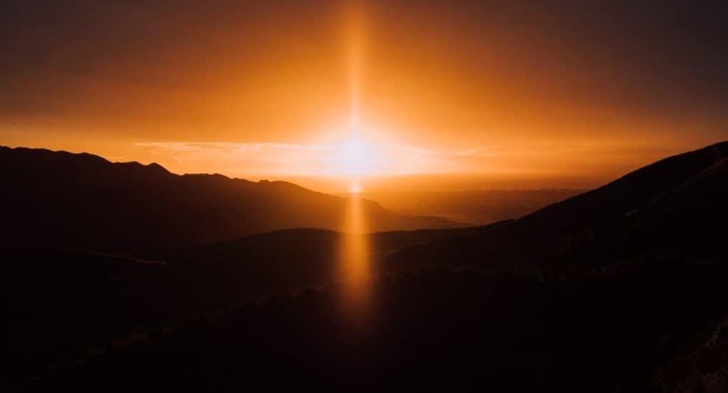 Если человек сразу попадает или в ад или в рай, то зачем молиться за усопших?