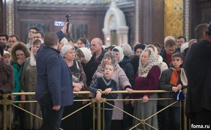 """Патриарх пожелал верующим в новом году """"крыльев за спиной, света и правды"""""""