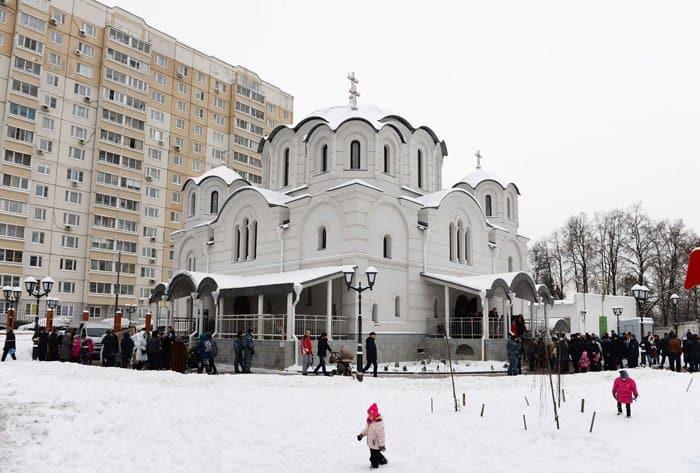 Патриарх Кирилл освятил в Некрасовке храм в честь иконы Богородицы «Воспитание»