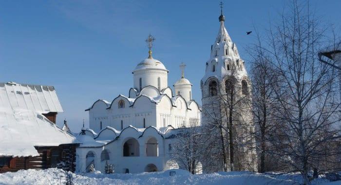 Монастырь Суздаля со старинным некрополем набирает популярность у туристов