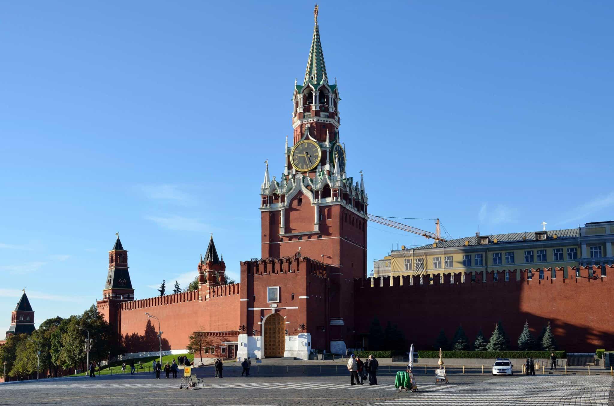 Почему главная башня московского Кремля называется Спасской?