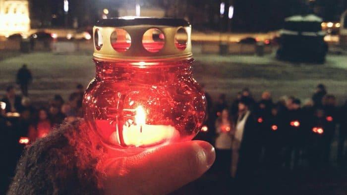 Православная молодежь Москвы зажгла 71 лампаду в память о жертвах крушения Ан-148