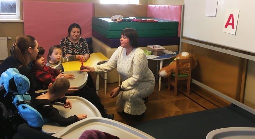 В Москве стартовали бесплатные курсы подготовки к школе для детей с ДЦП