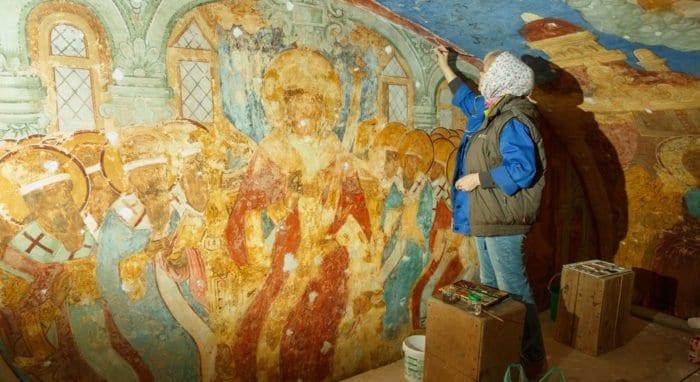 В Спасо-Преображенском соборе Суздаля спасают уникальные фрески