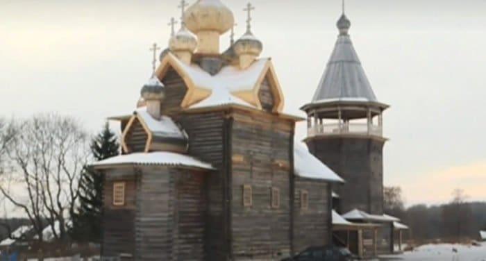 Восстановлен последний на северо-западе России деревянный пятиглавый храм