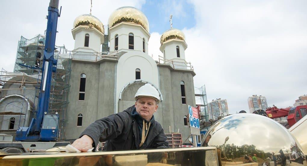 В спальных районах Петербурга не хватает храмов, - митрополит Варсонофий