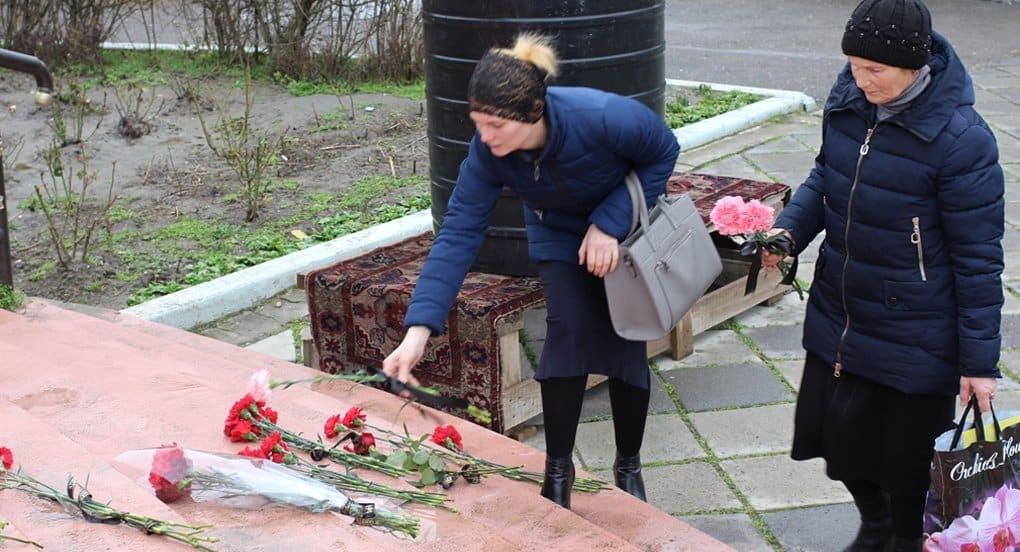 «Ирина кинулась навстречу стрелявшему и начала бить его сумкой»: очевидцы о трагедии в храме Кизляра