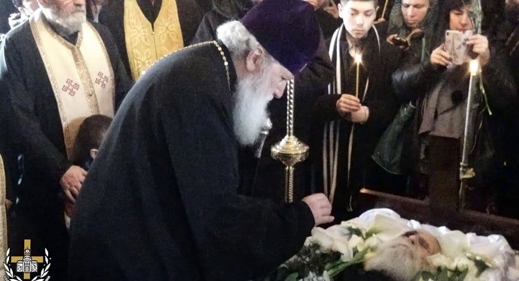 Патриарх Болгарский Неофит лично простился с Дедушкой Добри