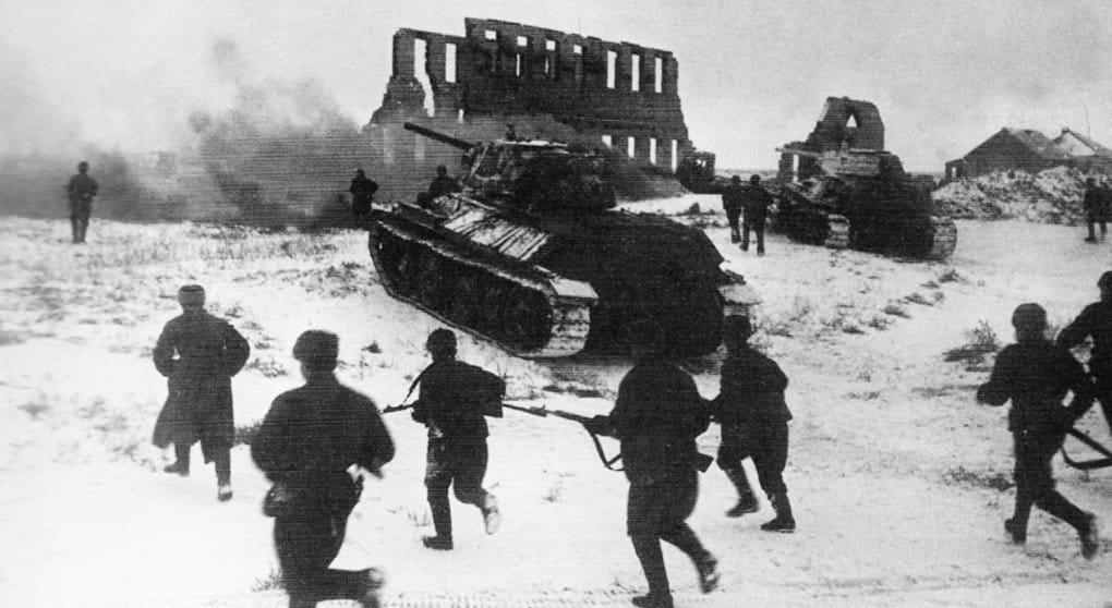 В России празднуют 75-летие победы в Сталинградской битве