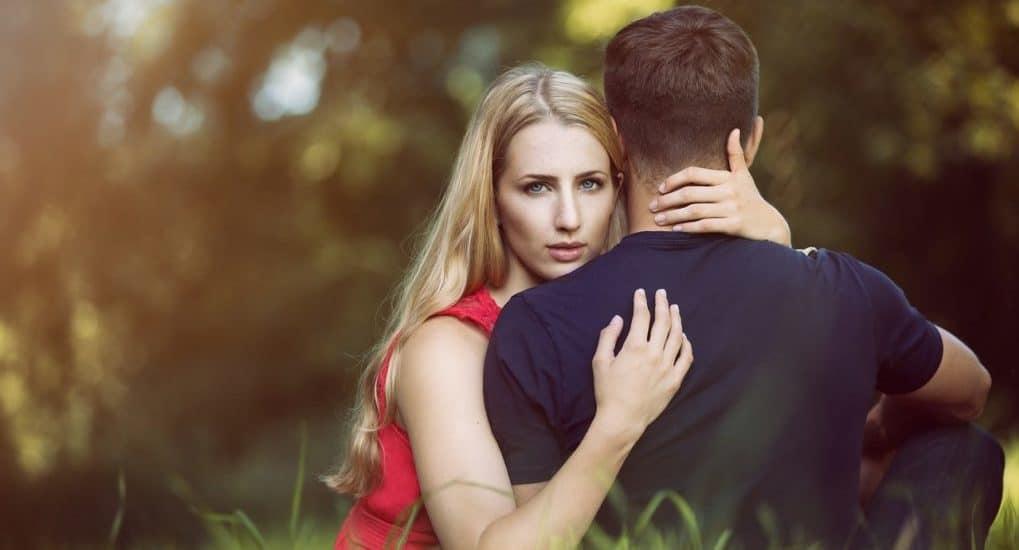 Брак без взаимности: что делать, если не чувствуешь любви?