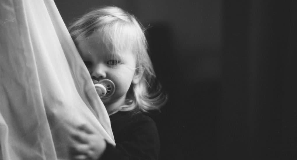 Можно ли крестить незамужней девочке девочку?
