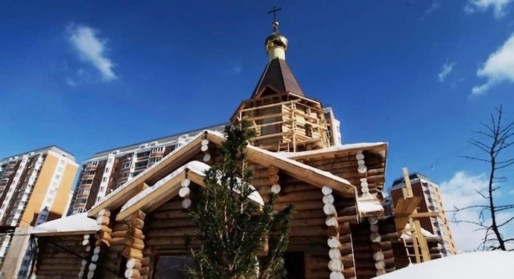 Для храма в Ховрине делают иконостас из 300-летнего дуба