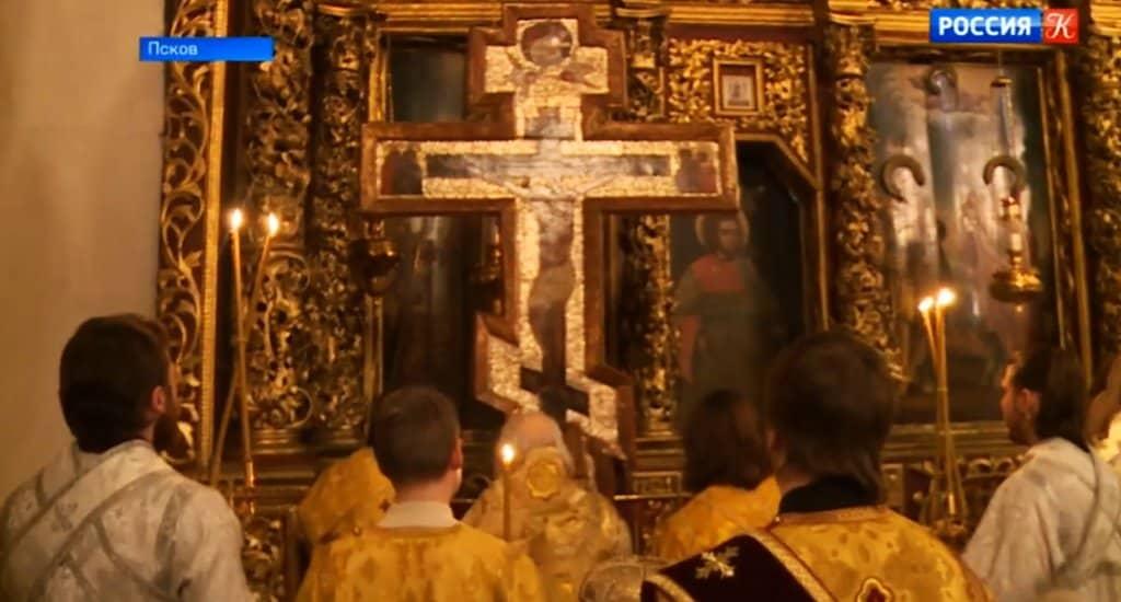 Ольгин крест после реставрации вернули в главный собор Пскова