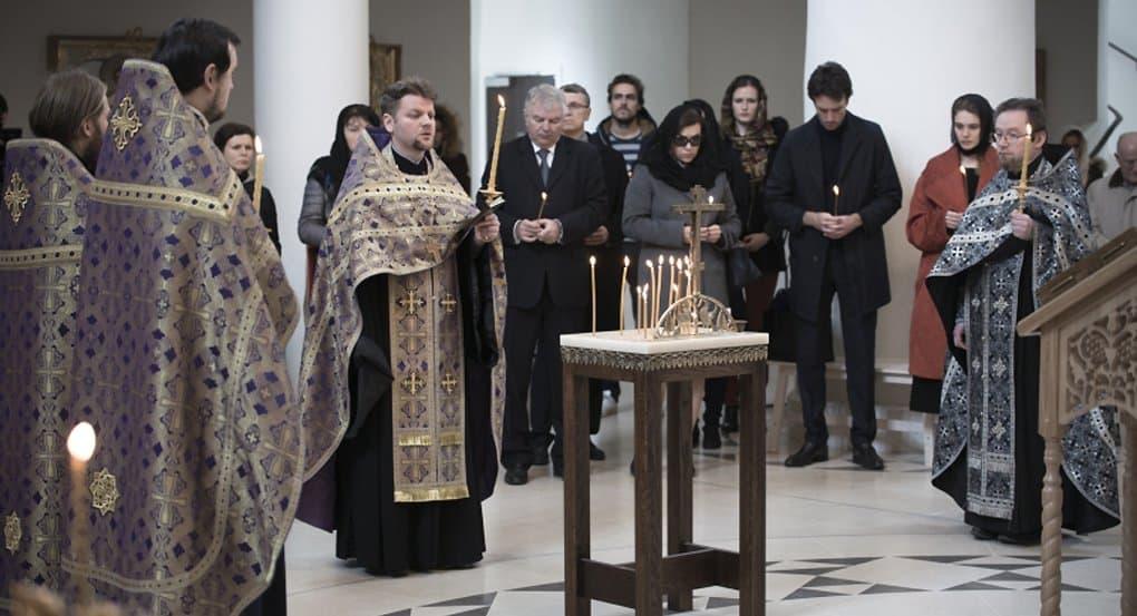Православные разных стран помолились о жертвах пожара в Кемерово